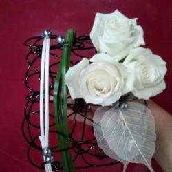 bouquet de mariée structure avec roses